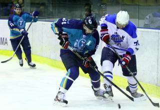 Хоккеисты «Зауралья» везут до дому «Кубок Прикамья»