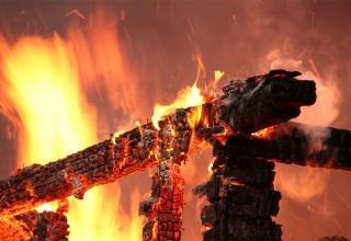 ЧП на День города: во Кургане землянка сгорел, по образу спичка. Есть пострадавшие