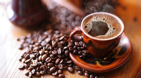 Ученые утверждают, что кофе снижает заболевание рака у полненьких женщин